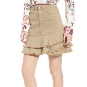 NWT BP. Tiered fray hem skirt in beige nougat